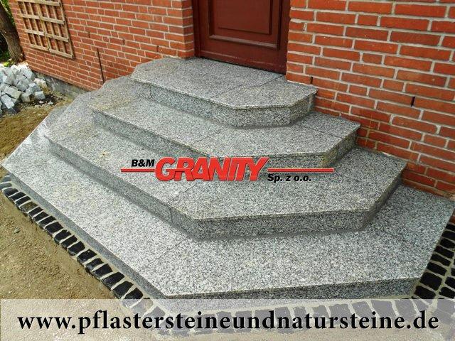 Treppenanlage während der Realisierung (Spezielle Bestellung)..., Granit aus Polen