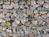 Gabionen-Mauer Kalkstein aus Polen für Gabionen - Gabionen Mauer/ Mauer aus Gabionen, Ziersteine / Eckige Steine aus Kalkstein für Gabionen (Natursteine aus Polen) - Foto von unseren Kunden. Natursteinmauer, Gabionenzaun, Gabionenmauer, Naturstein für Gabionen, Naturstein aus Polen, Polengranit, schwedische Natursteine, Schroppen
