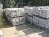 Granit-Mauersteine / Naturstein-Mauer / Granit-Mauer, grau-gelb, Mittelkorn (Granit-Mauersteine aus Polen), Mauersteine für eine Natursteinmauer, Polengranit / Wasserbausteine
