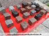 Bunte Pflastersteine aus Natursteinen. SKANDINAVISCH-POLNISCHE PFLASTERSTEINE -MISCHUNG - Eine BUNTE Mischung von Pflastersteinen 7/9 cm aus skandinavischen Natursteinen (roter Bohus, grauer Bohus, roter Vanga, roter Tranas, schwarzer Schwede, Scandia) und einen polnischen, grauen Granit. Dieser Mix von Granit-Pflastersteinen besteht aus Würfel, die teilweise gesägt, gespalten und manchmal geflammt sind. Auf dem Foto befinden sich nasse Steine, deswegen ist die Farbintensität unterschiedlich. Ein sehr attraktiver Preis…