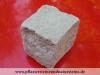 Sandstein-Pflastersteine, trocken, Sandstein-Würfel, Natursteinpflaster, grau-gelb, alle Seiten gespalten (Sandstein-Pflastersteine aus Polen), Naturstein aus Polen, Pflastersteine aus Polen, Pflastersteine aus Schweden, Naturstein aus Polen, Sandstein-Pflaster aus Polen, preisgünstige Pflastersteine, preisgünstige Natursteine aus Polen.