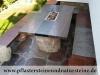 Gartenmöbel und Wohnmöbel aus polnischen Feldsteinen; rustikale oder moderne und bunte Möbel aus Natursteinen, Naturstein-Möbel aus Polen, Möbel für den Garten und das Haus, unterschiedliche Größen, Farben und Formen, Feldsteine aus Polen, Natursteine aus Polen, Das ist nur ein Beispiel. Naturprodukt, Unikat; Es kann sein, dass dieses Sortiment verkauft worden ist.